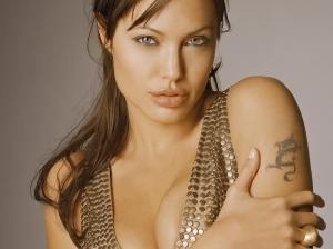 Angelina Jolie (Hasil Edit)